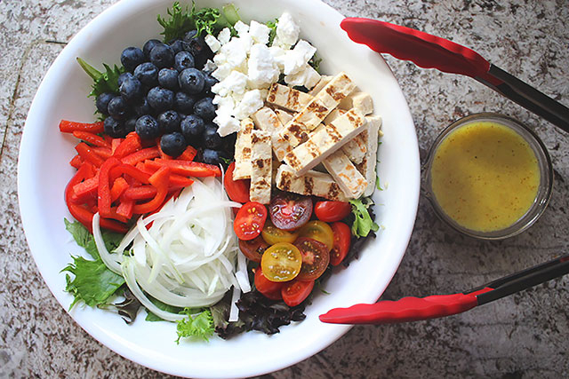 Grilled Chicken Berry Salad
